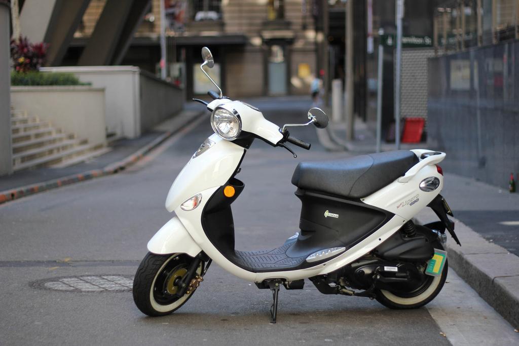 des cartouches d 39 hydrog ne pour scooter lectrique hybride auto. Black Bedroom Furniture Sets. Home Design Ideas